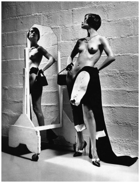 carolyn-murphy-vogue-paris-may-1997c2a0photo-by-helmut-newton